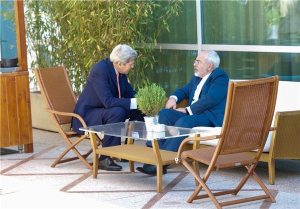 عکس : ظریف و کری در ژنو